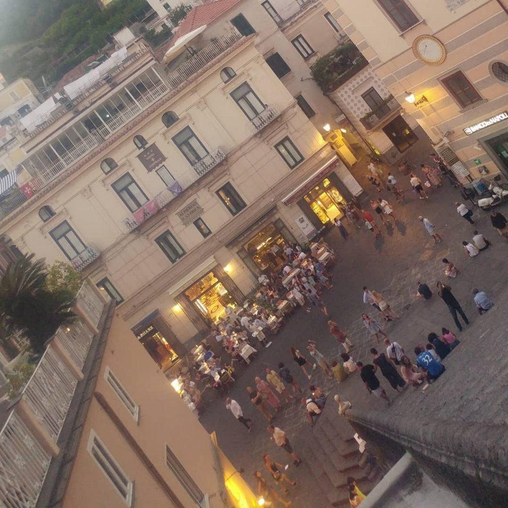 5 days in Sorrento Amalfi piazza