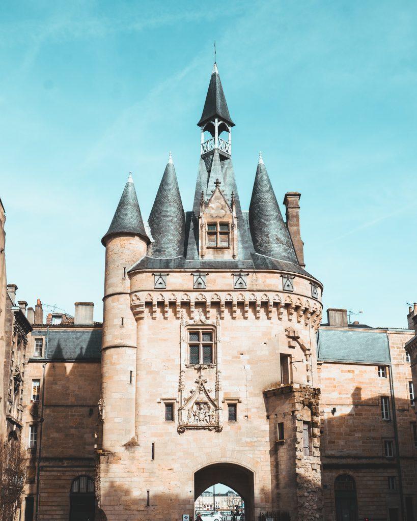 Visit Bordeaux Porte Cailhau